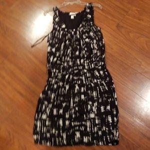 Black and White Sleeveless Dress Size 10